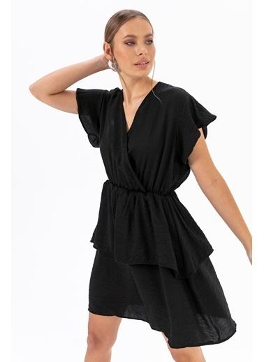 Emjey Eteği Katlı Elbise Siyah